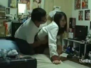 【コスプレセックス動画】カメラ小僧のキモオタが自宅での撮影会中に我慢できずにレイプして中出し…