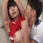 【レイプセックス動画】バスケ部の女子校生が腋フェチの顧問に脅され強姦…ザーメンを腋に射精する徹底ぶり