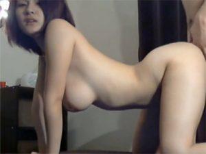 【無修正セックス動画】肉感ボディーの巨乳ギャルの彼女とのセックス動画を配信…生挿入して口に精子を出す彼氏
