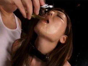 【SMセックス動画】緊縛した巨乳美女を電マ責めしおもらししたオシッコを飲ませイラマチオ後にバックで犯す