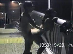 【素人セックス動画】露出好き変態カップルが深夜の歩道橋や公衆便所や雑居ビルの踊り場でハメ撮り撮影