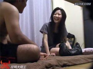 【無修正セックス動画】自宅に呼んだ美乳デリヘル嬢を盗撮…本番交渉するとあっさりOKが出てゴム姦