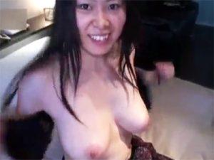 【無修正セックス動画】素人の巨乳娘のクリと膣穴とアナルを3点同時責めで気持ち良くさせて白濁おまんこをゴム姦