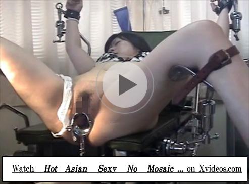 【無修正セックス動画】変態婦人科医のプライベートビデオ…分娩台に熟女を拘束しクスコで子宮口を観察して生ハメ