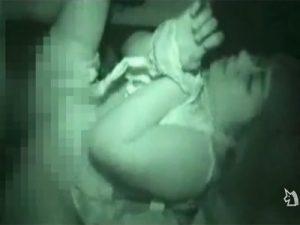 【レイプセックス動画】手を縛った女を車に拉致してドライブレイプ…抵抗し嫌がるメスブタに無慈悲に中出し…