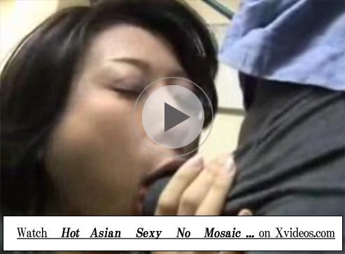 【セックス動画情報】偶然にも高校の同級生と再会した既婚の細身の貧乳熟女が夫を忘れ他人棒で悶える
