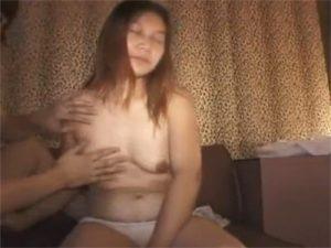 【セックス動画情報】スロットに負けた弛んだ身体の素人熟女を捕獲しラブホテルでハメ撮りし無許可中出し