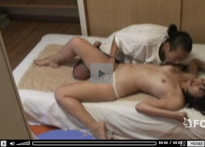 【セックス動画情報】ナンパした女子大生を部屋に連れ込み即ハメの中出し…その様子を隠しカメラで盗撮