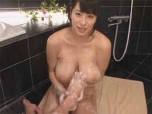 【AV女優セックス動画】Kカップの爆乳「春菜はな」にお風呂で極上のご奉仕をしてもらいお尻にザーメンを発射
