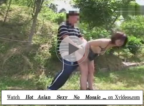 【セックス動画情報】露出狂のムッチリ素人熟女と夫が青姦セックスで性欲と露出願望を満たす