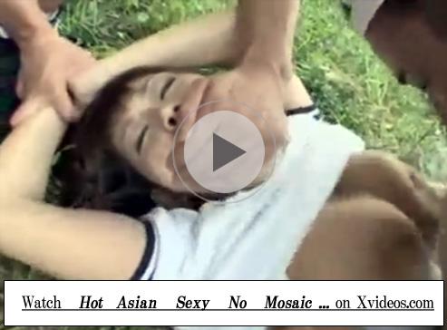 【セックス動画情報】巨乳のブルマ女子校生と制服姿のJKを青姦レイプする4人のゲス集団
