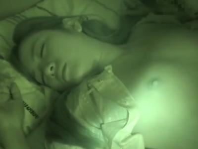 【セックスエロ動画】童貞の兄が妹の寝ているところを襲いかかり種付けセクロスで気分爽快強姦ムービー!