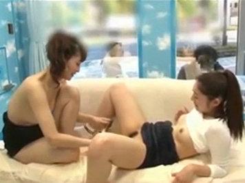 【セックスエロ動画】男じゃなくて女に寝取られちゃった素人カップル彼女wwww