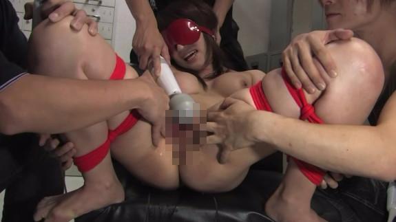 【セックスエロ動画】ヤンキー集団に目隠し緊縛されたOLが輪姦レ○プ!電マとバイブで潮を吹かせ生肉棒でめった刺し・・・