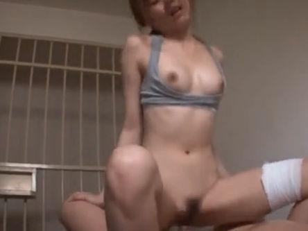【セックスエロ動画】可愛すぎる女囚人が刑務所の中で肉便器にされちゃってる件 瑠川リナ