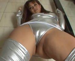 【セックスエロ動画】猥褻なコスチュームした美尻ビッチがカメラに股間を押し付けまくる||セックスエロ動画,コスプレ,ビッチ,フェチ