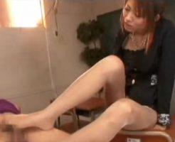 【セックスエロ動画】先生やらしい生徒好きだよ。M男くんのち○ぽを足で指導する淫乱女教師||セックスエロ動画,女教師,痴女,足コキ