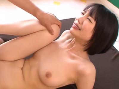 【セックスエロ動画】ムッチリ巨乳のめちゃカワイイロリ顔な女の子を激しくセックスする鬼畜男性ww