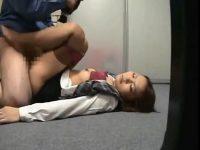 【レイプセックス動画】ビル管理人がOLを昏睡させて早漏の短小チンポを生挿入し中出しで果てる