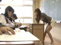 【セックスエロ動画】テスト中の静かな教室でこっそりオナニーしちゃうキチ○イ女教師 雨宮琴音