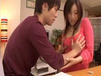 【AV女優セックス動画】家庭教師「雪見紗弥」が教え子を誘惑し若いチンポをエロい腰使いで貪る