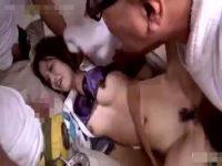 【セックスエロ動画】工事現場に連れ込まれたOLが労働者の汗臭い肉棒3本で連続中出し強姦される地獄絵図・・・