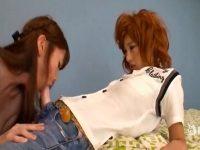 【レズセックス動画】ペニバンを付けて男装したタチのレズビアンがネコにチンポをしゃぶらせておまんこを犯す