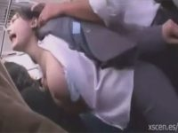 【レイプセックス動画】OLの破れたスーツパンツの隙間からチンポを突っ込み立ちバックで犯し精液を服にぶっかけ