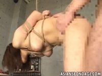 【SMセックス動画】おまんこにチンコをハメ終わってからの蝋燭責めで歓喜の表情が一変する…