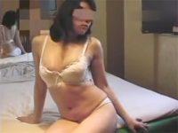 【熟女セックス動画】美人で豊満な不倫中の素人妻の生おまんこが締まり過ぎて早々に中出しで果てる