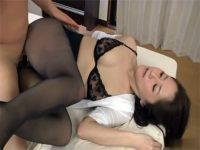 【セックス動画情報】男を逆ナンパし家に連れ込んだタイトミニの美熟女が汚いザーメンを膣内におねだり